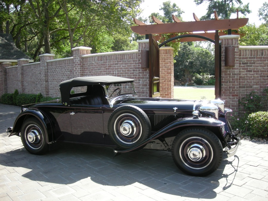 1930 Ruxton Black & Purple Roadster - Owner Name Withheld